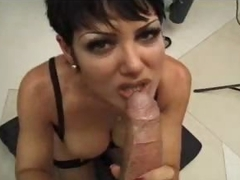 The housewife is a hot cocksucker